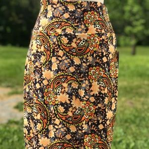 Beautiful Pencil Skirt (L)